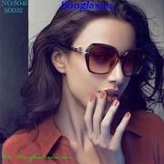サングラス ビッグフレームデザインのレディ-スファッションサングラス