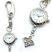 キーホルダーウォッチ キーホルダー 時計 ひし形 ダイヤ 花 クロス