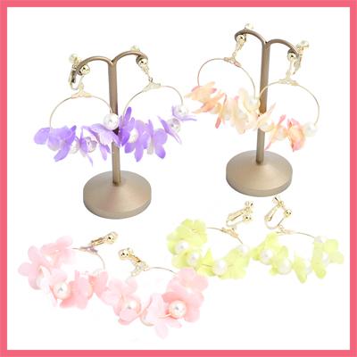 パールとお花のわっかイヤリング