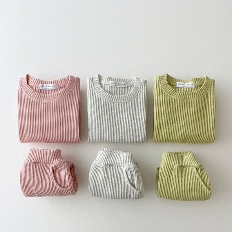 【KID】韓国風子供服 ベビー服  男女兼用 無地 長袖 セットアップ ニット