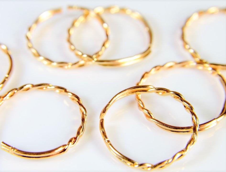 【合金製】極細リング/シンプル指輪/指が細く見える極細リング効果/基礎金具/サイズ自由調整